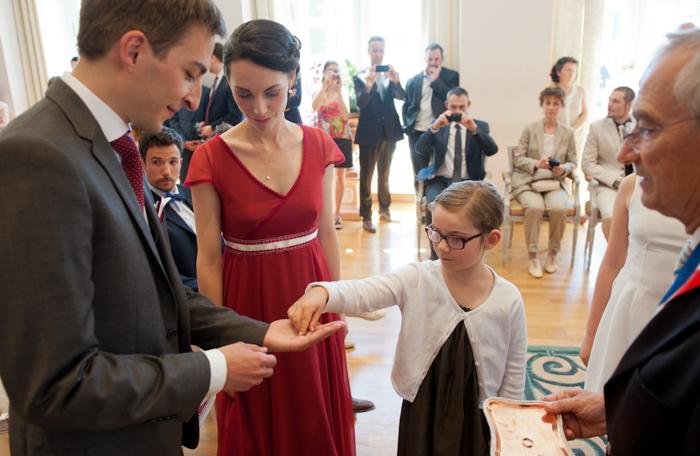 Celebration d'un mariage lors d'une cérémonie civile à la mairie du Mans.