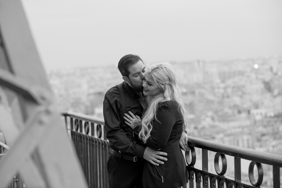 jour-j-photographie-sacha-heron-photographe-mariage-demande-mariage-tour-eiffe