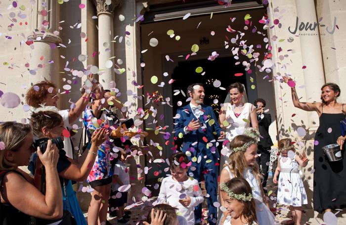 photographe-mariage--sortie-de-mairie-provence-Château-la-Tour-Vaucros-jour-j-photographie