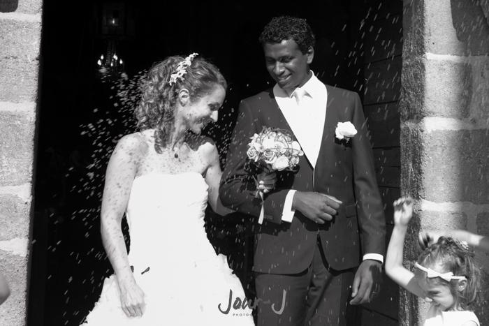 photographe-mariage-chateau-de-beauvoir-sortie-de-mairie