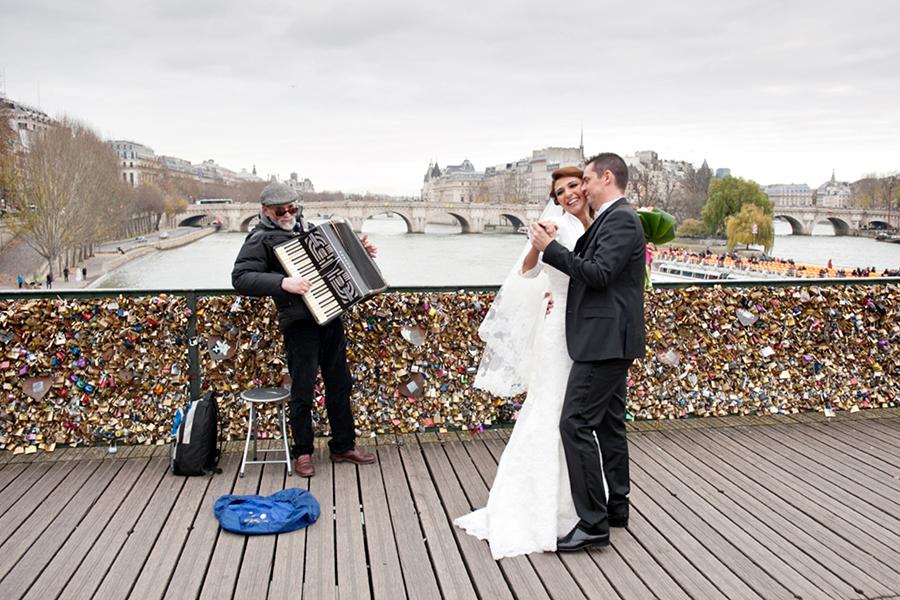 mariage a paris - pont des arts